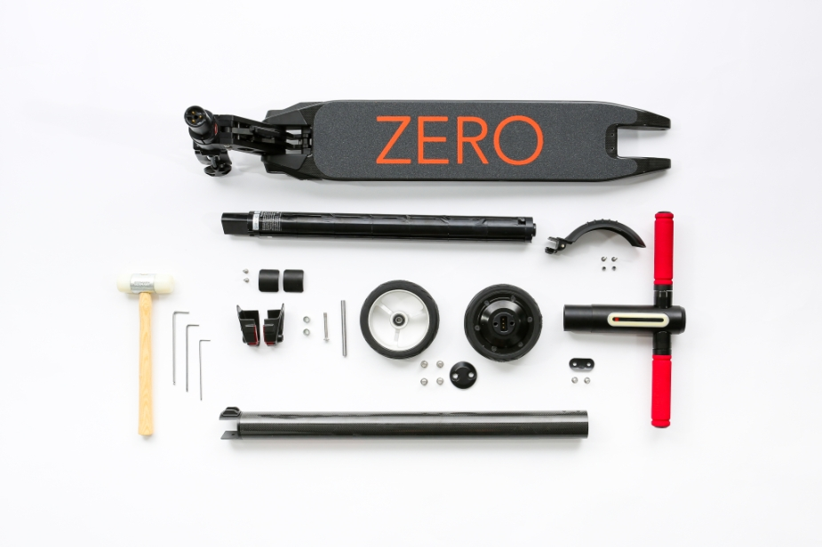 zero2-0_deconstructed_carbon-fiber-scooter